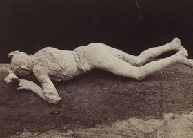 Giorgio Sommer, Dead woman found at Pompeii in 1875, 1870-1875