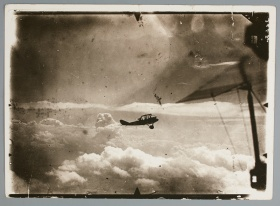 wwi airplane in flight