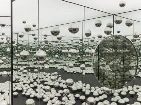 Yayoi Kusama's INFINITY MIRRORED ROOM - LET'S SURVIVE FOREVER