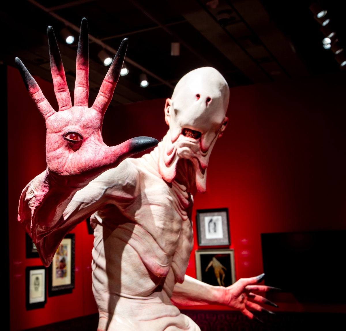 the pale man scuplture from pan's labyrinth