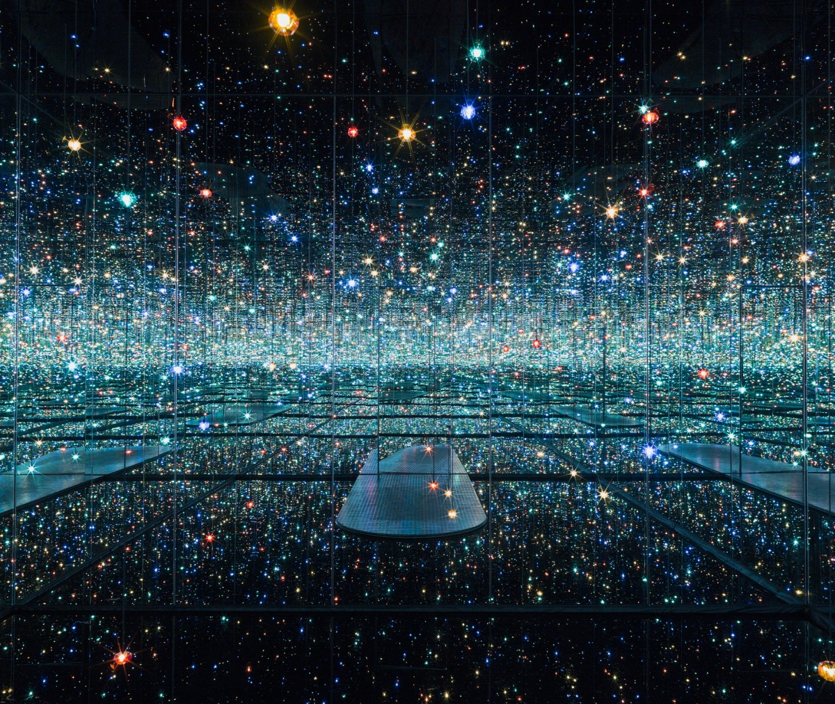 yayoi kusama's infinity room the souls of millions of light years away