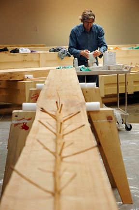 Photo 2 of Giuseppe Penone at work on <em>The Hidden Life Within</em>