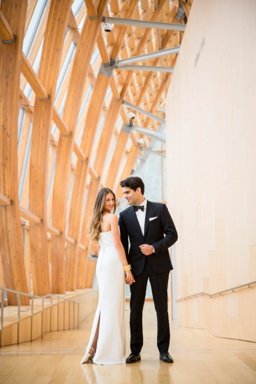 bride and groom in Galleria Italia