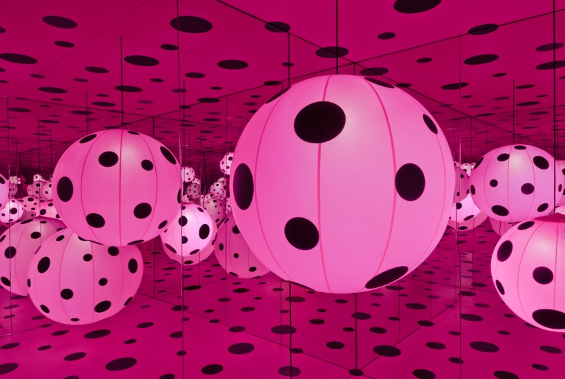 "kusama's ""dot's obsession"" installation"