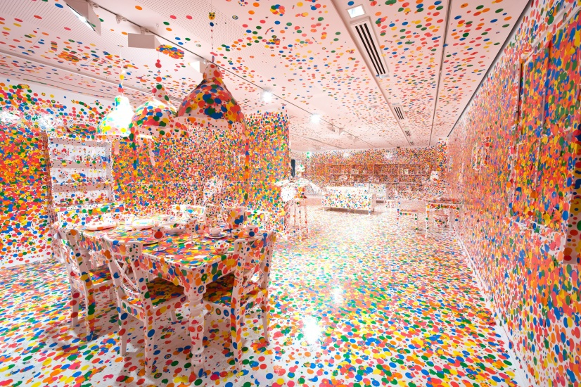 installation of kusama's obliteration room