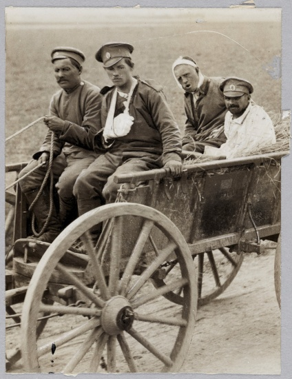 wounded men in a wagon from wwi