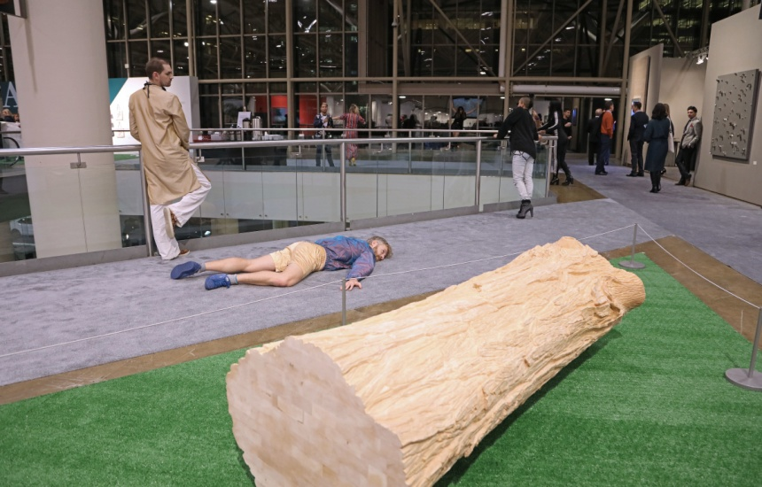 a performance at art toronto